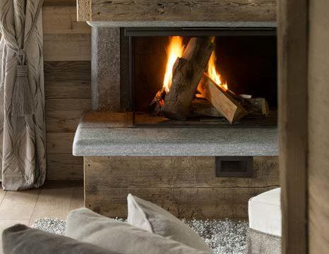 Теплий дім у горах